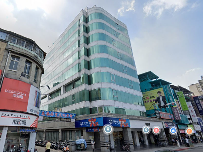 龍山寺捷運站旁大樓(一)