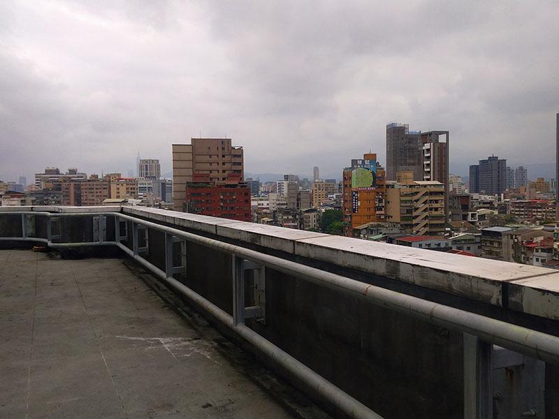 租 龍山寺捷運站旁大樓(二)